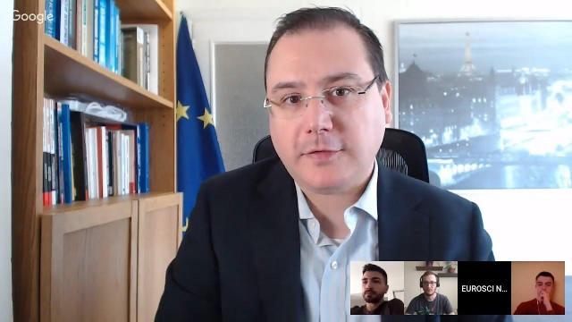 Embedded thumbnail for Eșecul pieței: externalități, bunuri publice, monopol   Economia Politică Europeană 5